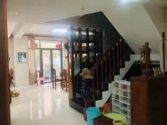 香格里拉4室2厅2卫190m²
