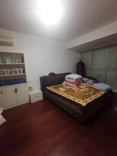 (市中心)东方广场1室1厅1卫140万75.8m²出售