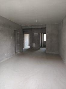 (市中心)翡翠华庭3室2厅2卫298万109m²出售