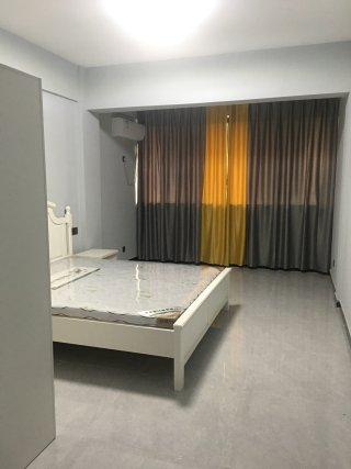 1室1厅1卫1600元/月25m²出租